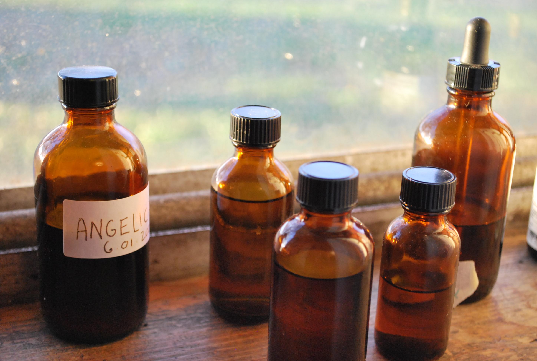 Why Use Herbal Formulas?