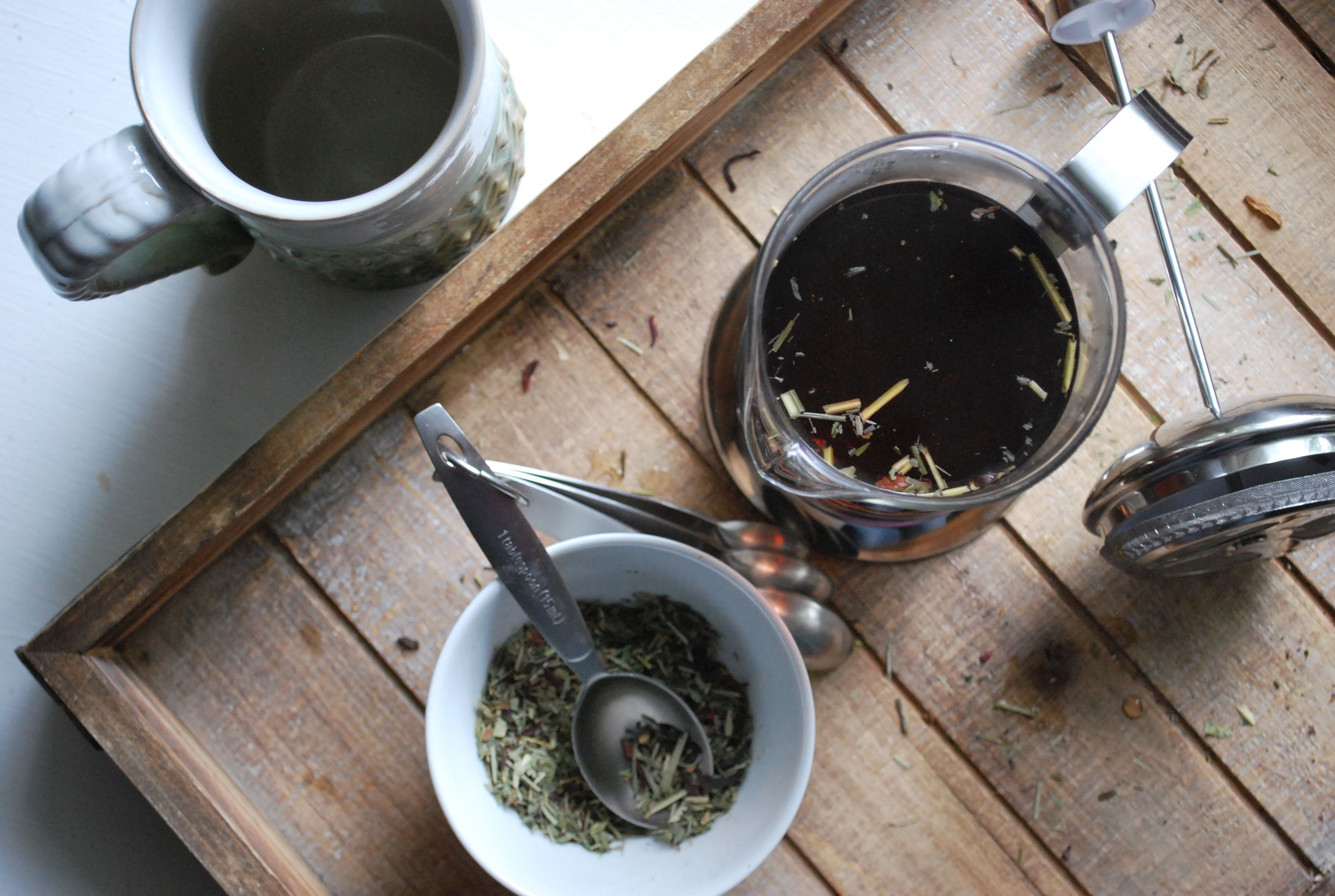 How to Use a French Press to Make Herbal Teas