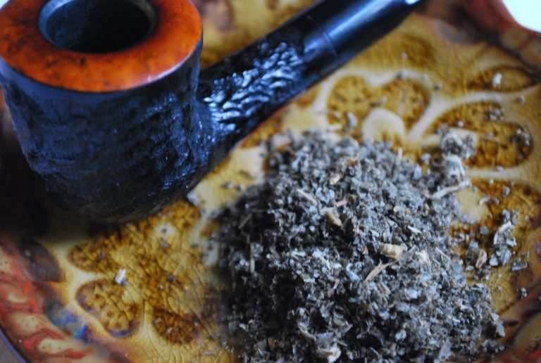 Making Herbal Smoking Blends from Scratch